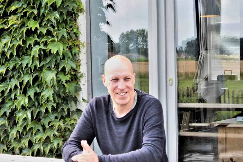 Peter Knapen heeft na dertig jaar zijn eerste boek af.