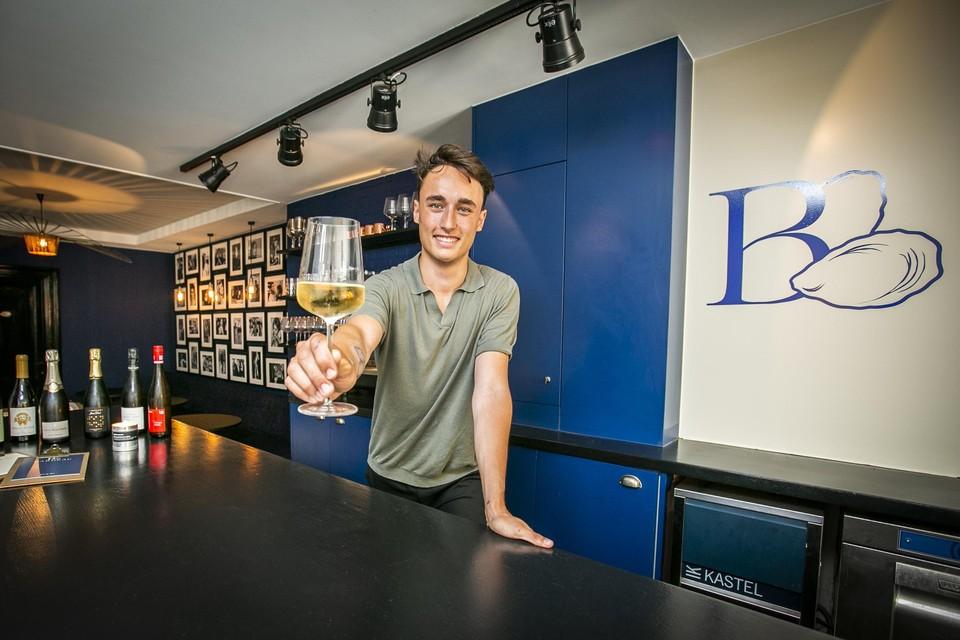 Voilà, een goed glas wijn in Bardeau. Meer moet dat niet zijn.