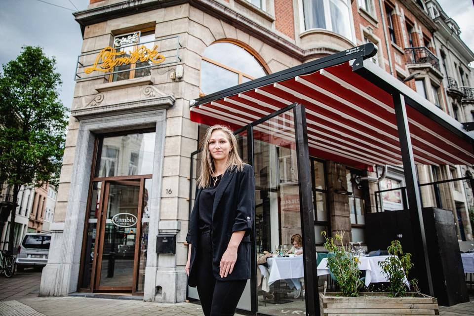 Quincy Mariën (22 jaar) kon afgelopen weekend eindelijk van start in brasserie Lambik, dat nu een overdekt, winddicht terras heeft.