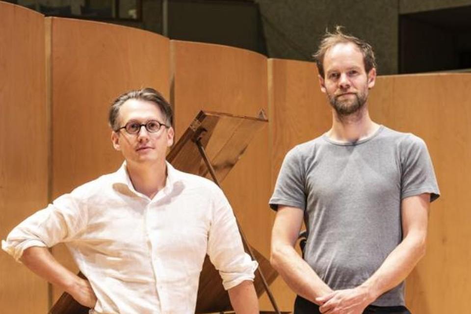 Klassiek pianist Nicolas Callot en muzikant-acteur Wannes Cappelle slaan de handen in elkaar voor een plaat met vertalingen van liederen van Franz Schubert.