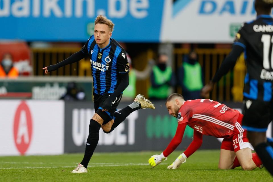 Noa Lang vierde zijn doelpunten afgelopen weekend alleen.