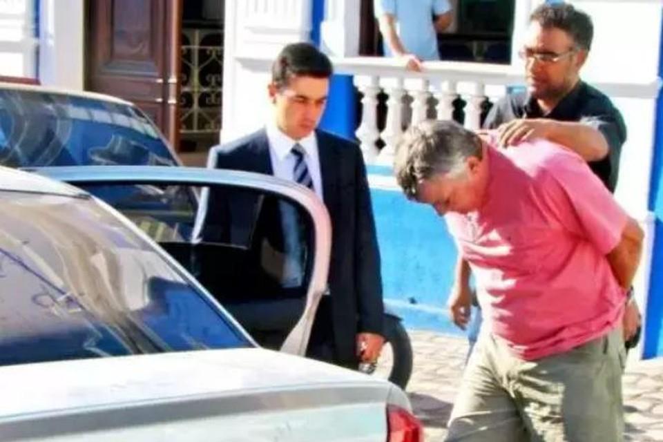 Sergio Roberto De Carvalho, alias Paul Wouters, bij een van zijn vele arrestaties in 2009.