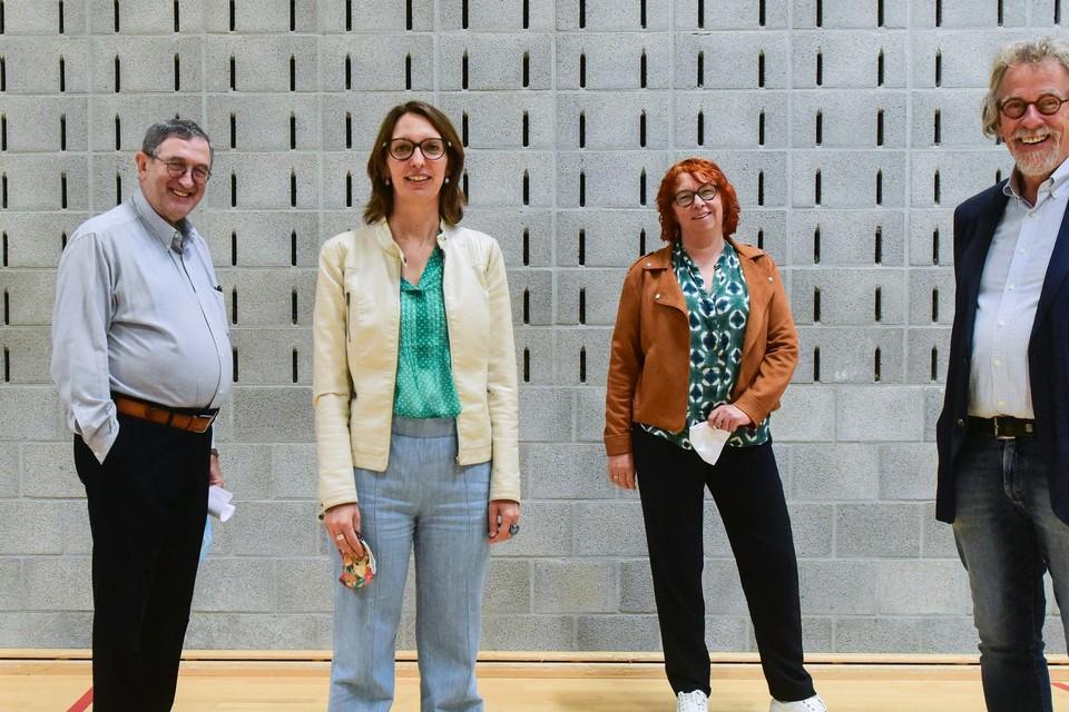 Jef Pelgrims, Kelly Verheyen, Liesbet Dierckx en Staf Willemsens, vier OCMW-voorzitters die de strijd aangaan met grijze woonvormen.