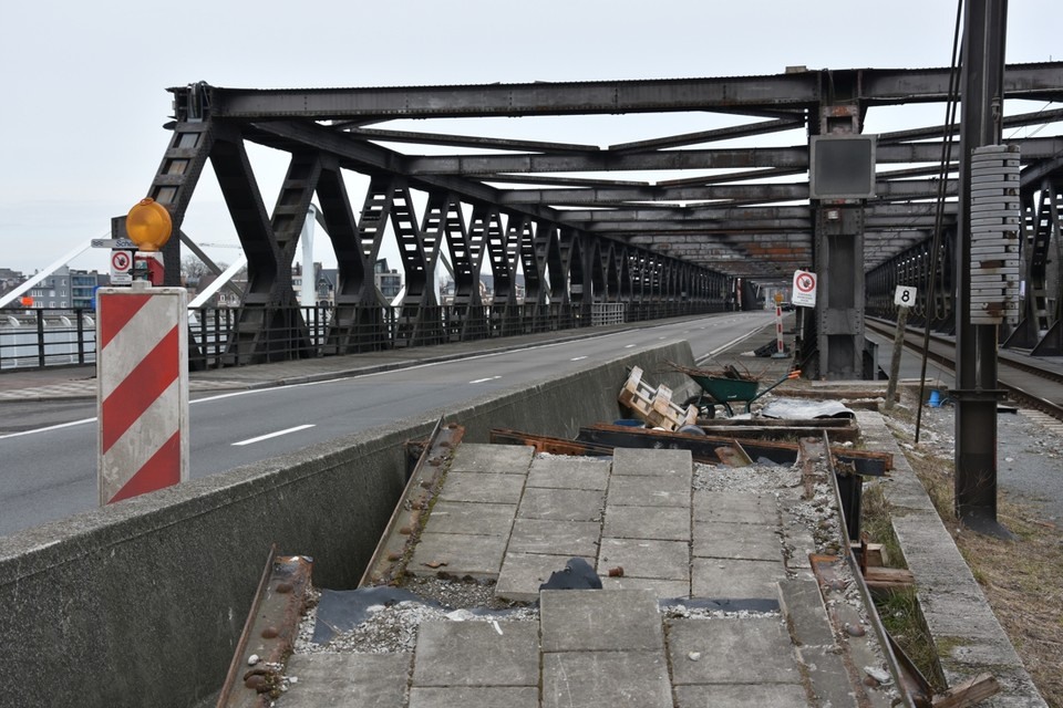 Vanaf volgende vrijdag kan het verkeer weer over beide bruggen tussen Temse en Bornem.