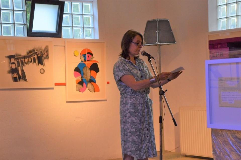Burgemeester Liesbeth Verstreken van Zoersel verwelkomde de artiest.
