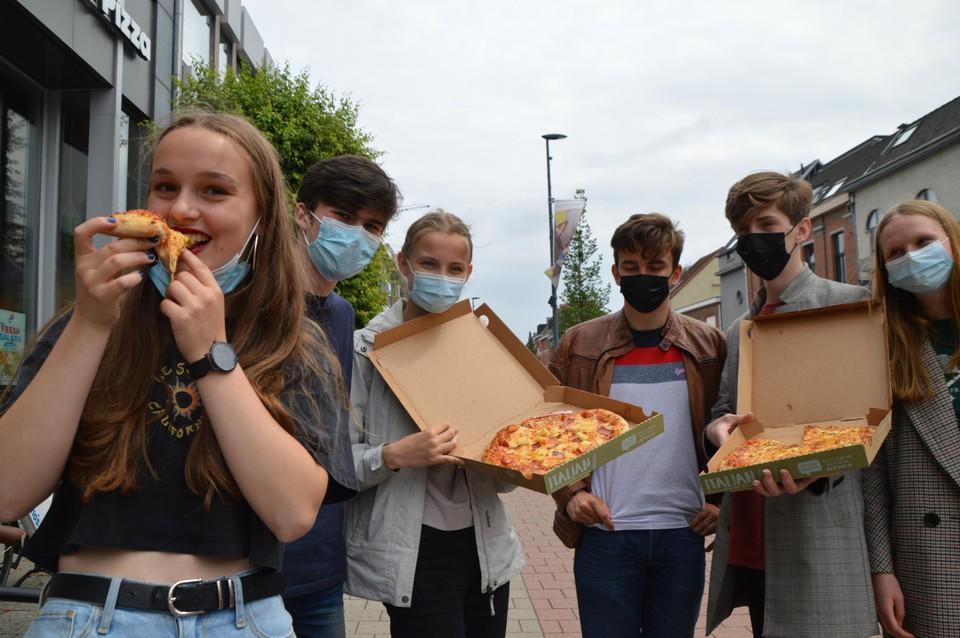 Pizzatime voor deze vierdejaars van Sint-Jan Berchmanscollege.