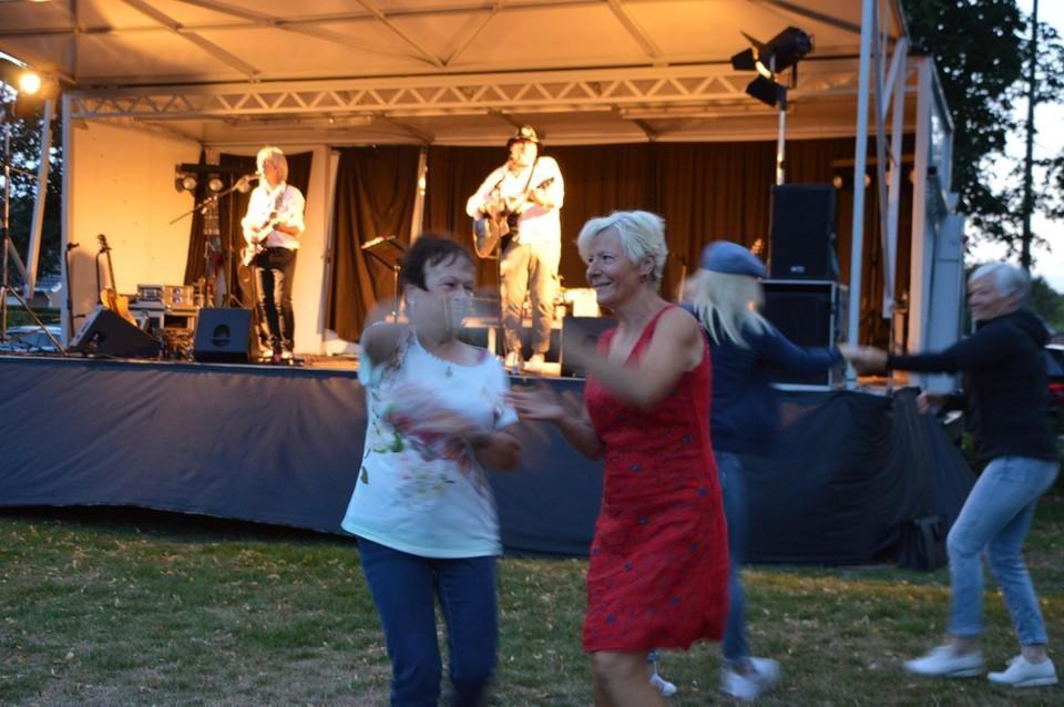 Bij Kneuterrock in Pulle wordt er altijd duchtig gedanst.