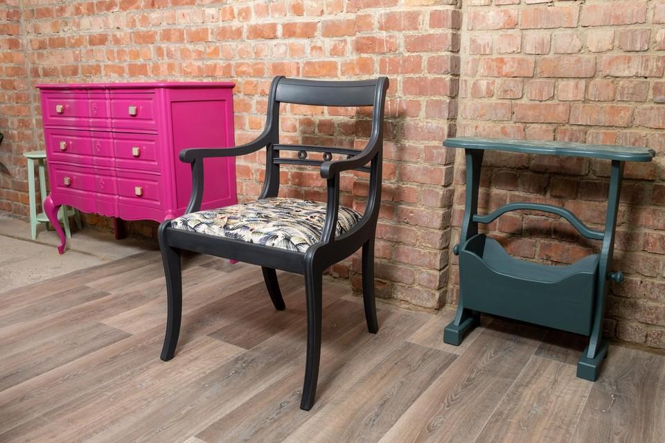 Enkele gepimpte meubelstukken.