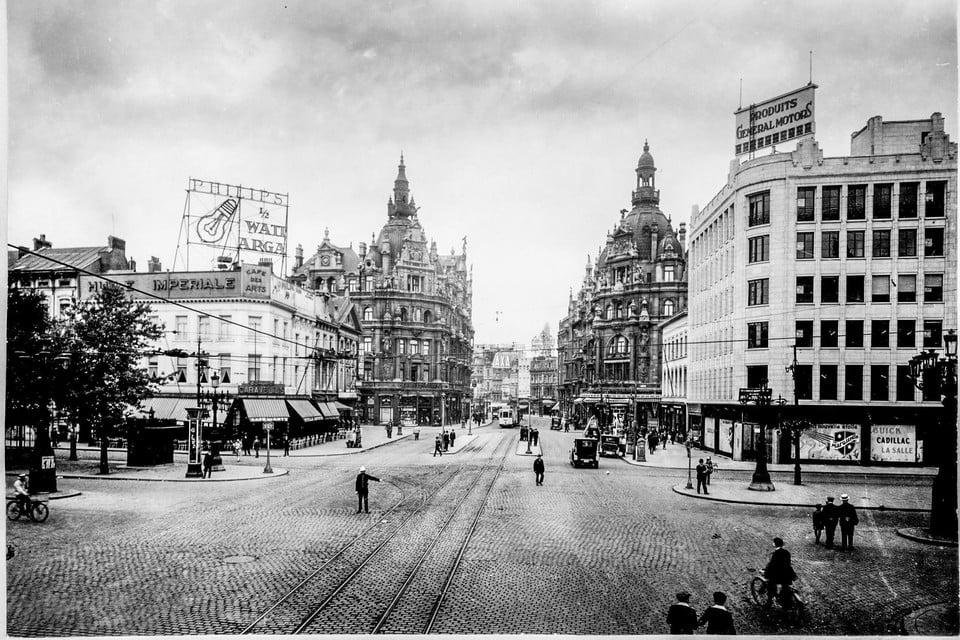 De Teniersplaats, aan het kruispunt met de Frankrijklei in Antwerpen in 1937.