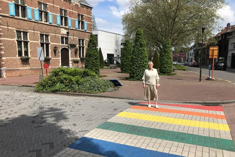 """""""We veroordelen resoluut elke discriminatie op basis van gender of seksuele identiteit"""", zegt OCMW-schepen Hilde Heyman."""