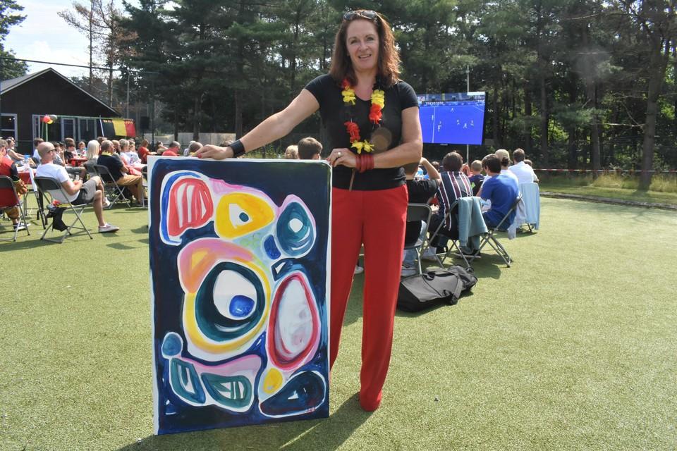 Katleen Mertens wil haar schilderij schenken aan de eerste Red Lion die reageert.
