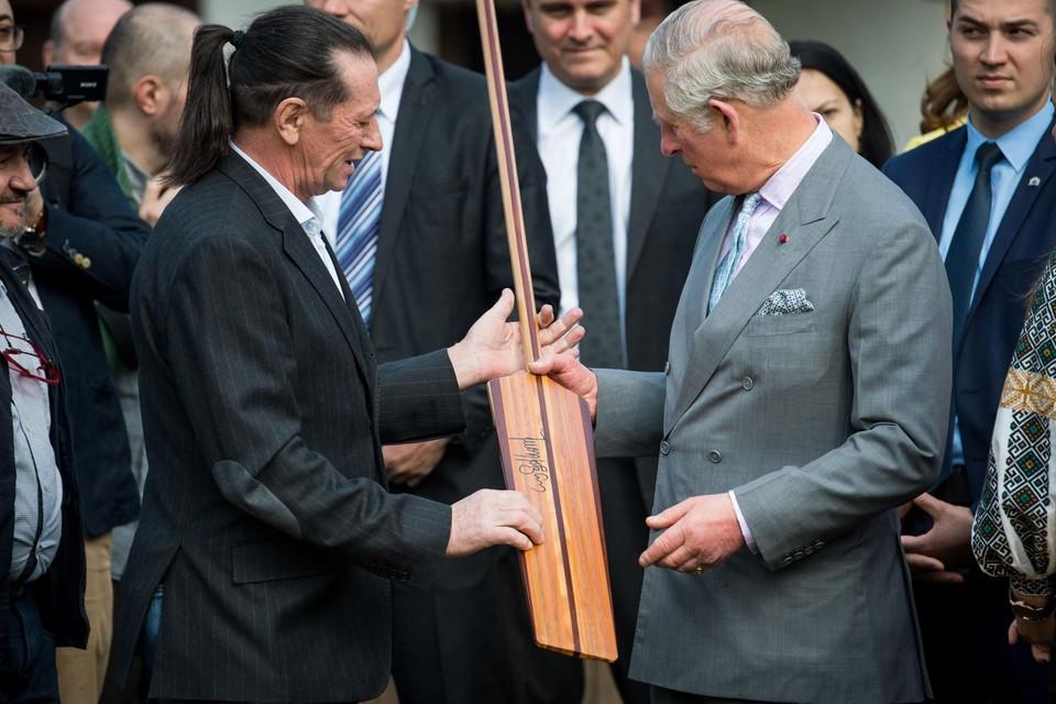 Ivan Patzaichin (links) op een archieffoto met prins Charles.
