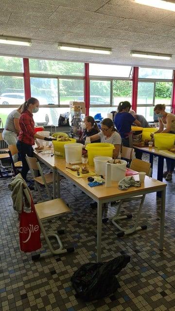In de Luxemburgse school worden elke dag duizenden maaltijden bereid, maar die school is na het weekend niet meer beschikbaar.