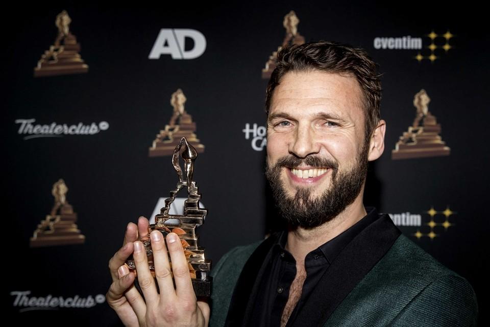 Pieter Embrechts met zijn Musical Award.