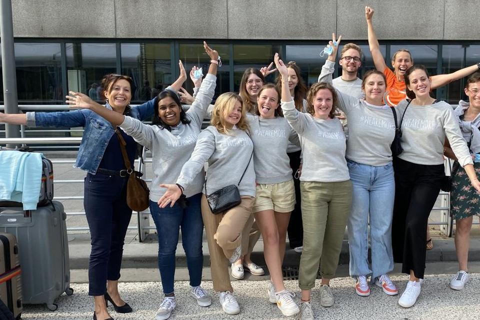 Deze studenten doen het komende halfjaar werkervaring op bij een wereldtentoonstelling in Dubai.