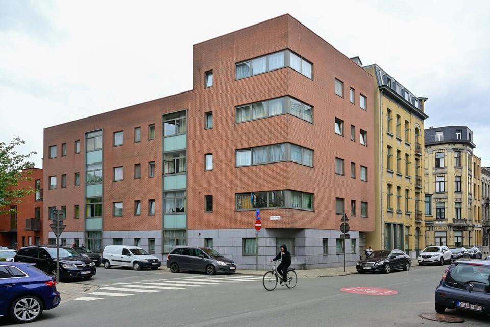 De hoek van de Broederminstraat en de Lange Batterijstraat in de Brederodewijk.