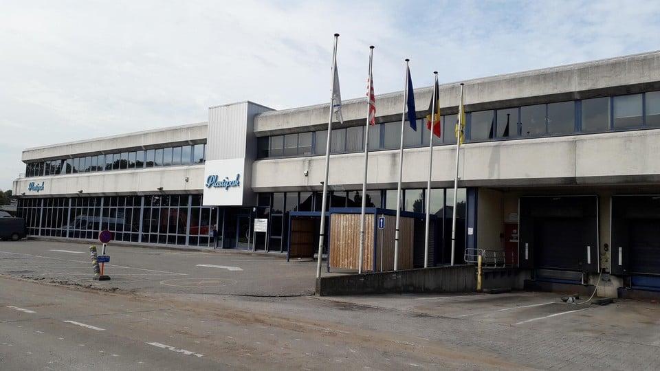 Ruim dertig jaar al worden er in De Ringlaan in Brecht plastic verpakkingen geproduceerd.