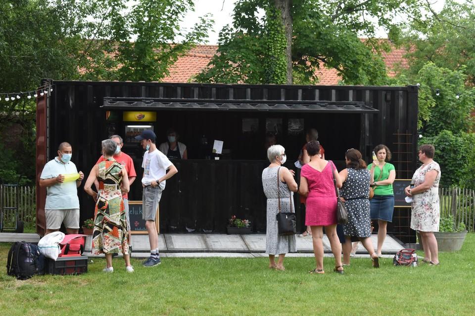 Het koffiehuis wordt tijdens de week uitgebaat door de gelukzaaiers. In het weekend wordt het gebruikt als zomerbar voor diverse verenigingen.