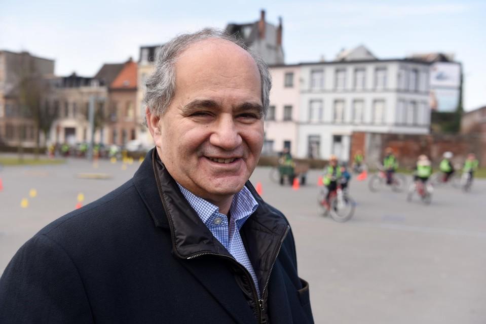 Claude Marinower.
