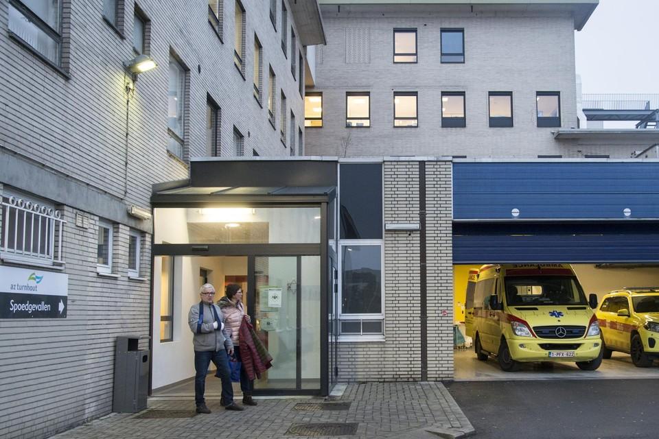 Alle operaties in AZ Turnhout, Campus Sint-Elisabeth, worden woensdag uitgesteld na een stroomonderbreking. De spoeddienst blijft wel open.