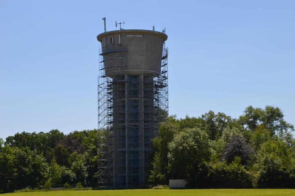 De watertoren van Westmalle wordt gerenoveerd.