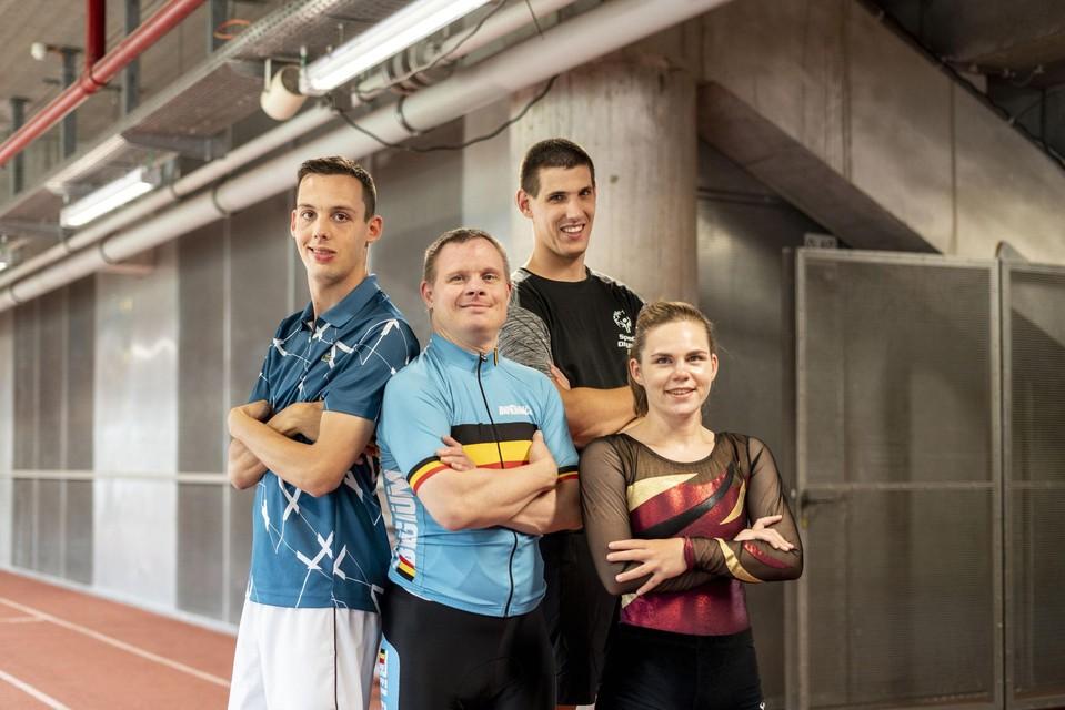Celine met de andere atleten: Dimitri Claesen, Lieven Mels en Elias Hendrickx