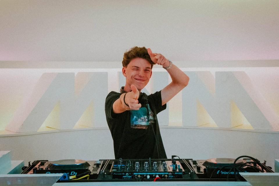 Ries Maes (17) uit Grobbendonk, alias DJ Reeze, is een van de vijf finalisten.
