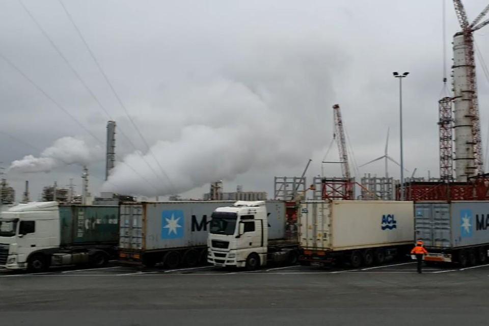 Twee werkgevers uit de haven stonden terecht voor de rechtbank voor de ongelukken van een van hun medewerkers.
