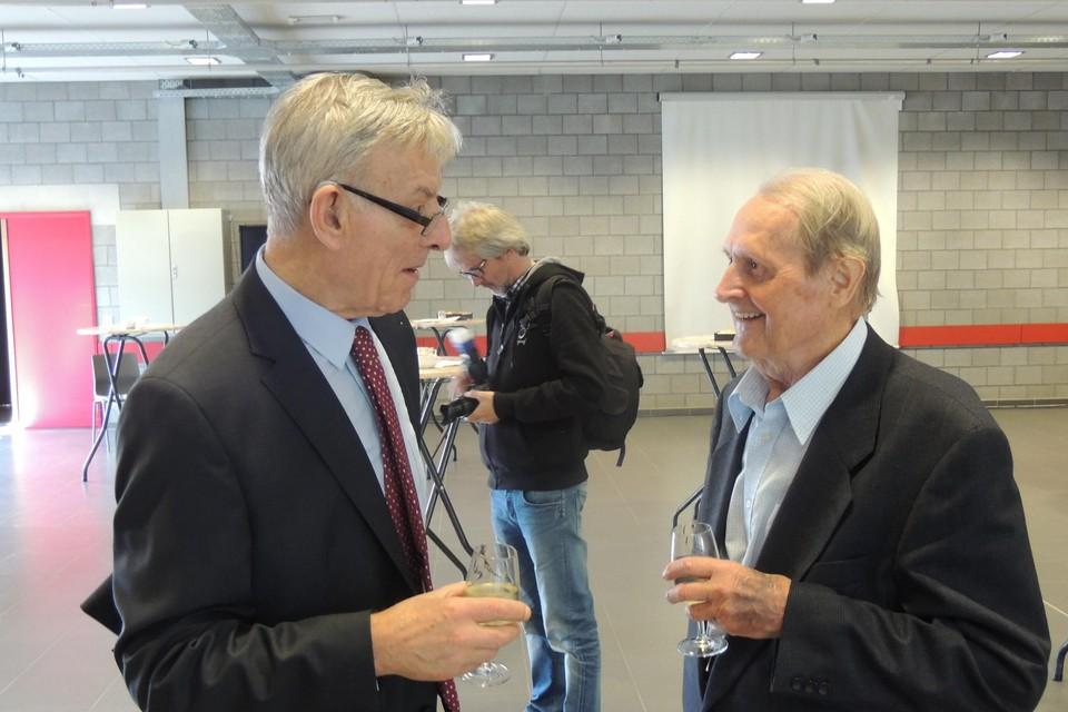 Juul Sterkens (rechts) met pastoor Jef Meeusen uit Gooreind tijdens diens priesterjubileum. Meeusen overleed vijf jaar geleden.