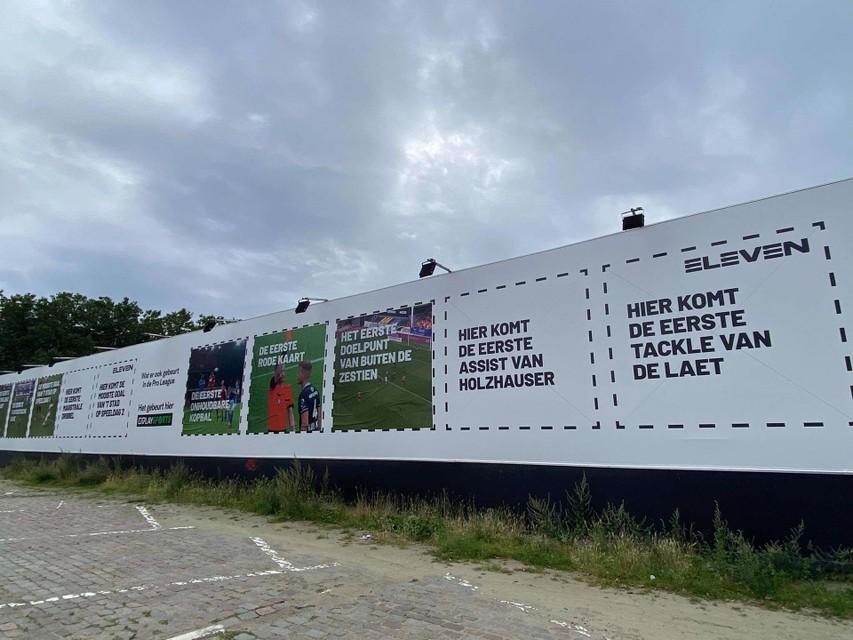 Op de Gedempte Zuiderdokken op 't Antwerpse Zuid zijn de reclameborden ook te zien.