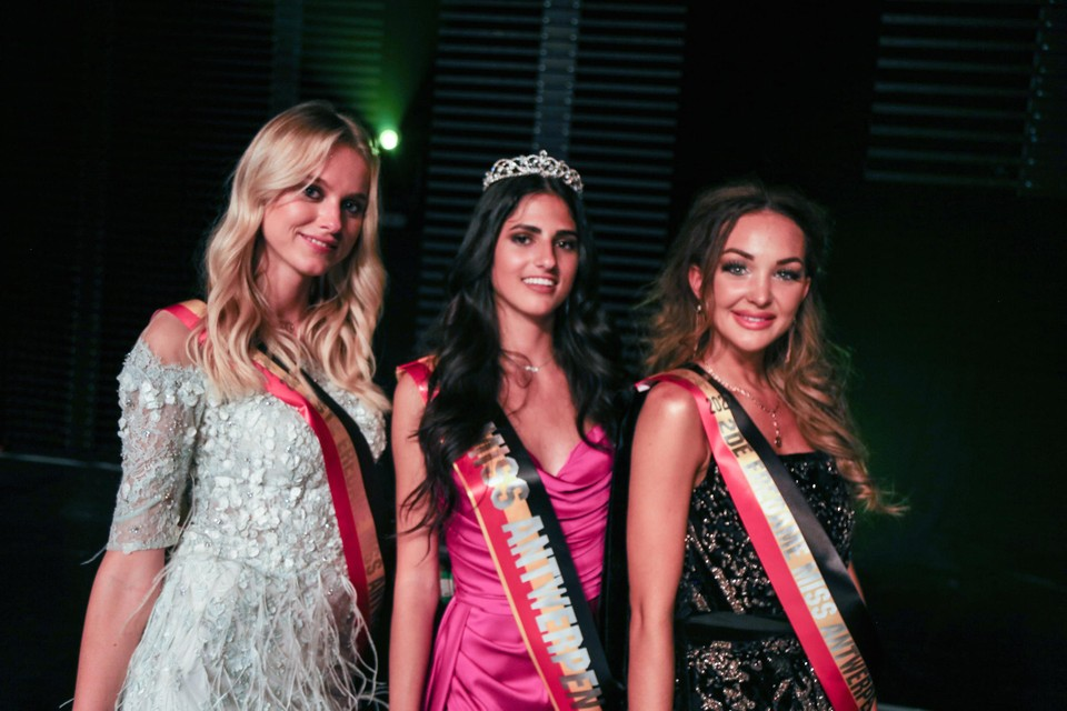 Van links af: Helena Degendt, Chiara Catanzaro en Chayenne van Aarle.