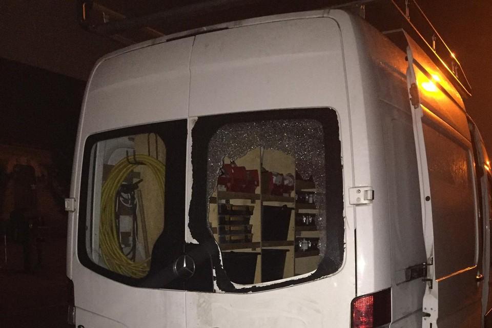 De daders viseerden vooral bestelwagens waarin gereedschap zat (de bestelwagen op de foto maakte geen deel uit van het onderzoek waarvoor de drie terechtstonden).