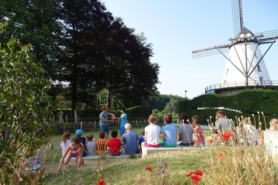 Het openluchttheater van het Wiebelplein in Boechout.