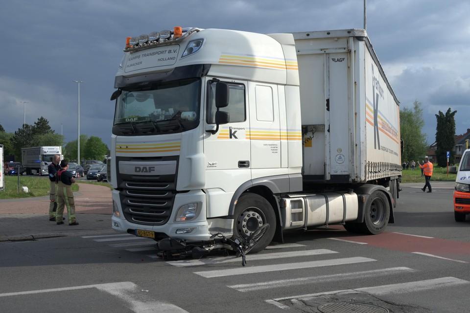 De trucker die de ringlaan verliet, had niet gezien dat de tachtigjarige fietser op dat moment de Steenweg op Oosthoven overstak.