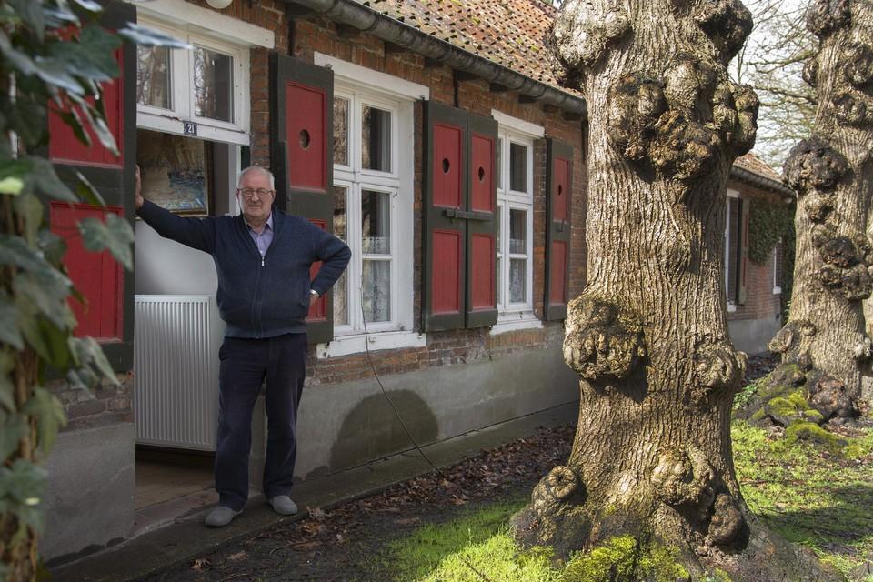 Christian, de huidige bewoner, koestert de geschiedenis van de boswachters die er ooit woonden.