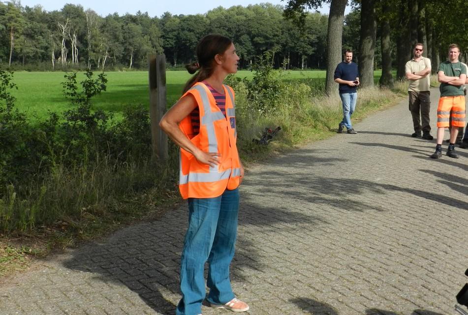 Provinciaal experte eikenprocessierups Kathleen Verstraete gaf dinsdag toelichting in Wortel-Kolonie.