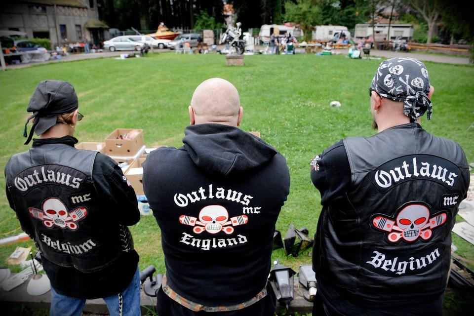 Onder meer het hoofdkwartier van Outlaws MC in Mechelen kreeg de politie over de vloer.