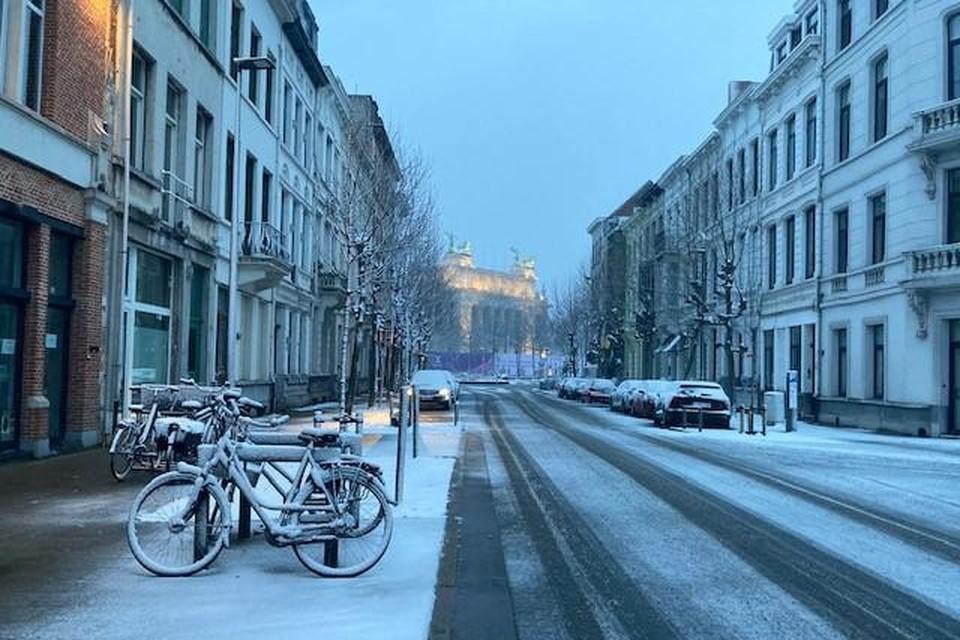 Sneeuw op het Antwerpse Zuid zondagochtend.