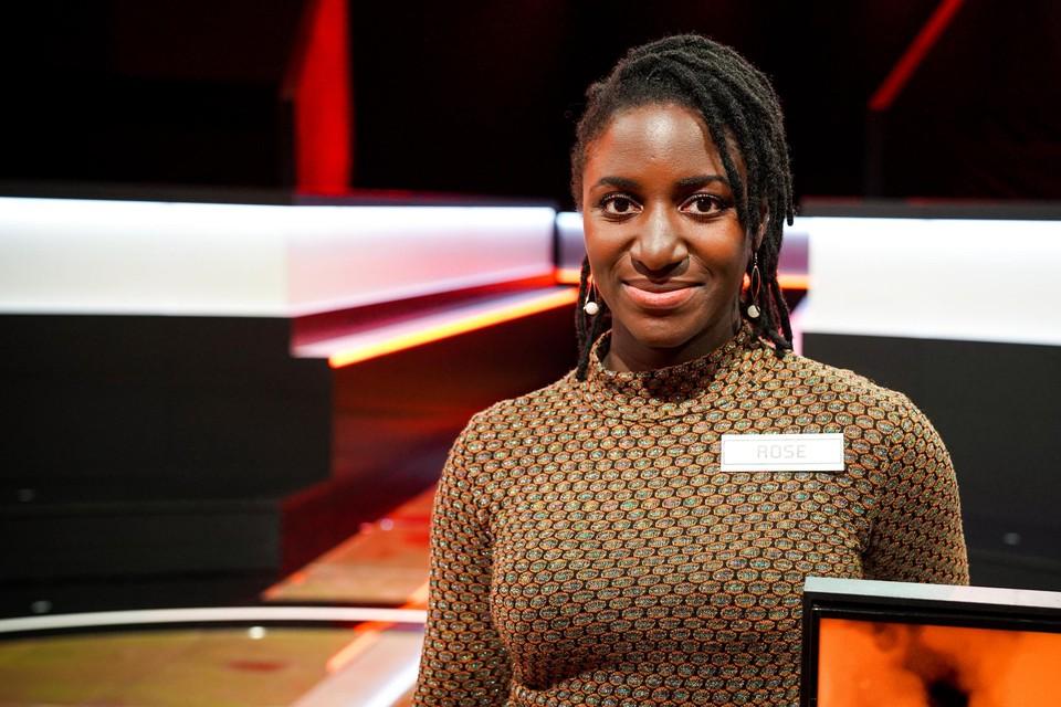Rosemary 'Rose' Dede maakt in de finale van   kans op het jaarloon van de meestverdienende deelnemer.