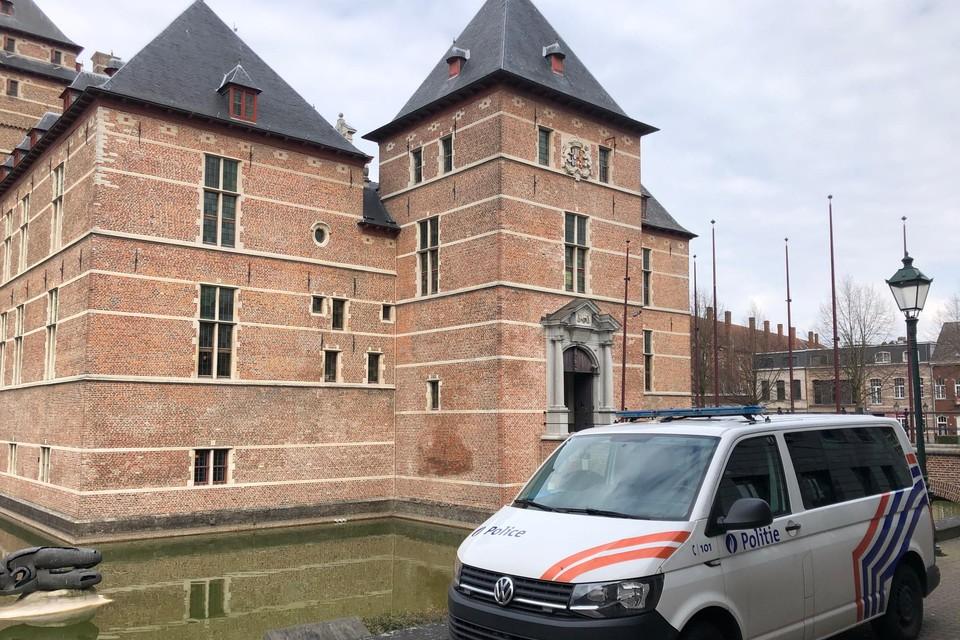 Een 30-jarige man uit Olen verscheen voor de correctionele rechtbank in Turnhout en riskeert acht jaar cel voor zedenfeiten op zijn eigen dochtertje.