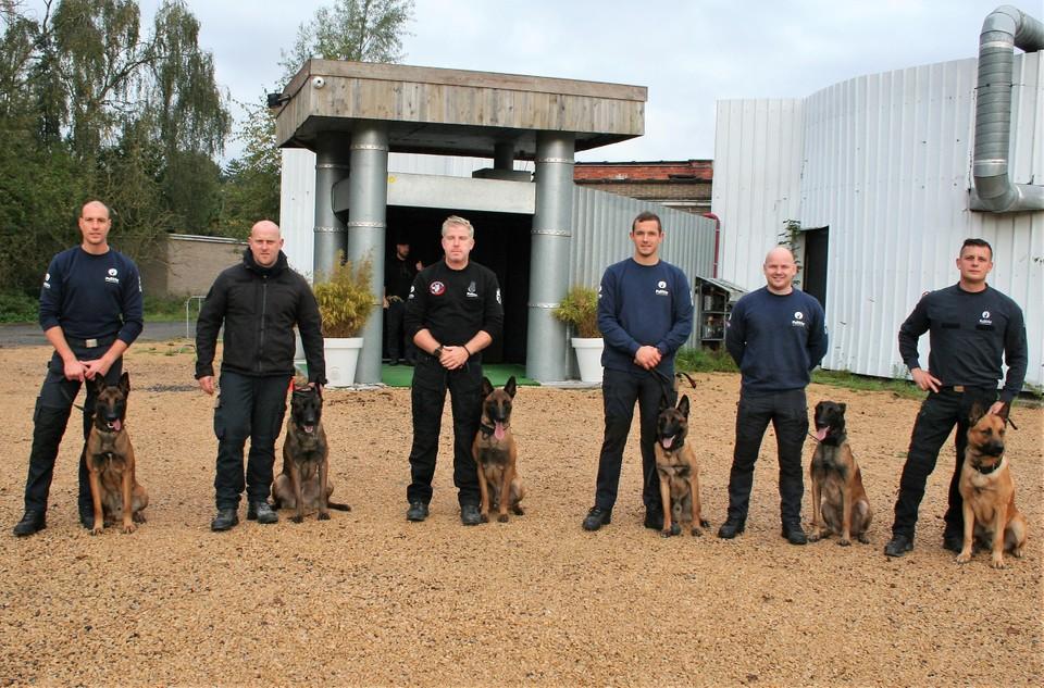 Radar kreeg woensdag een hele reeks politiehonden op bezoek uit Lokeren, Sint-Niklaas, Ronse, Dendermonde en Gent .