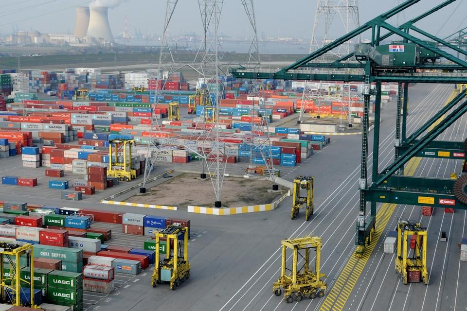 Volgens de uitspraak mocht het Havenbedrijf 40 hectare van de DP World-concessie aan MPET geven, maar moet dat vergoed worden.