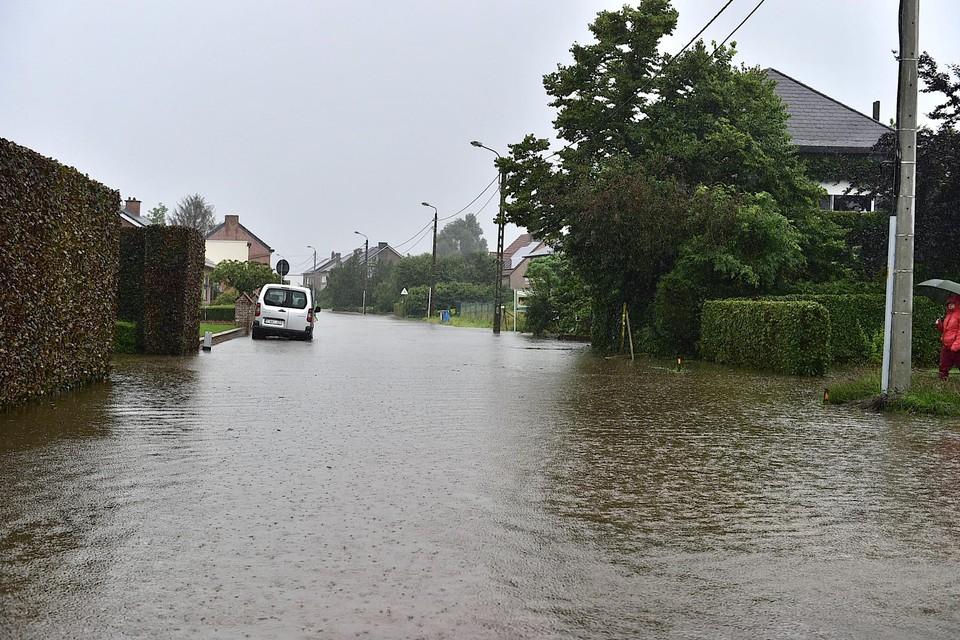 Het Heike in Hombeek kwam volledig onder water te staan maar de woningen konden gevrijwaard worden.