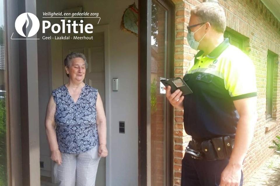 De politie komt nog wel ter plaatse voor de woonstcontrole, maar verder verloopt alles digitaal.