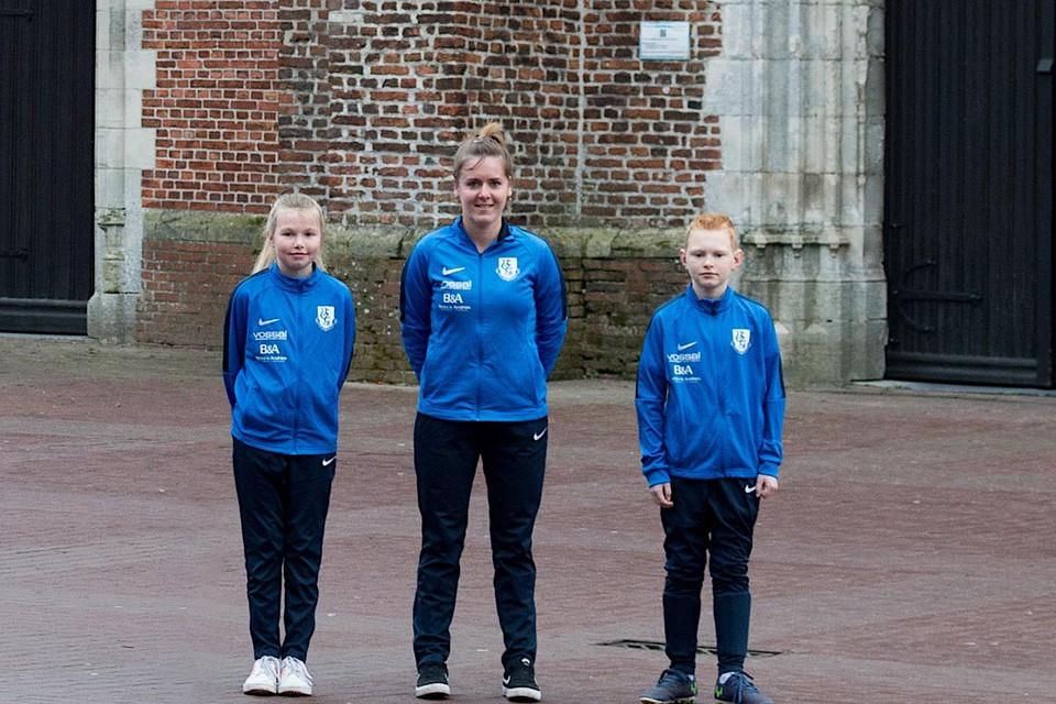 Linde, Evi en Joren van KVV Vosselaar zijn klaar voor de grote spaghettiverkoop.