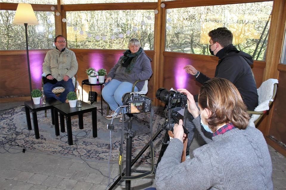 Arne Vercammen (rechts) interviewt David en Chris Clauw.