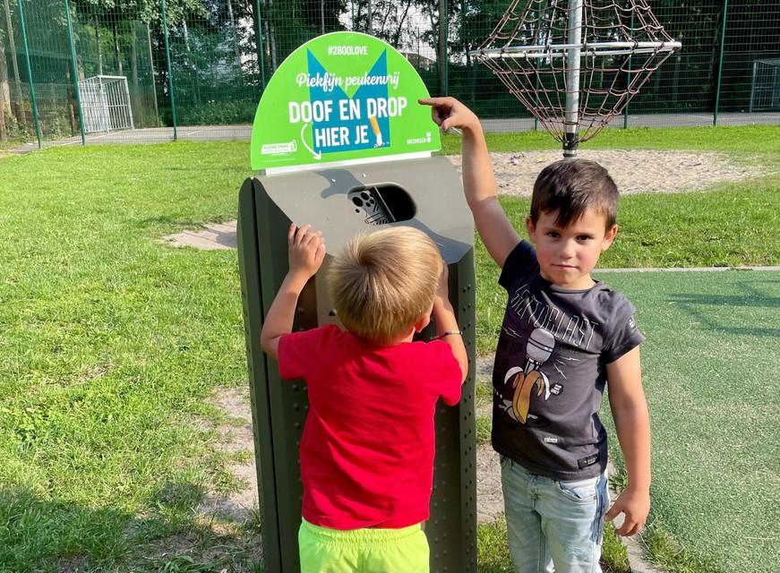 De nieuwe vuilnisbakken die in de plaats komen.