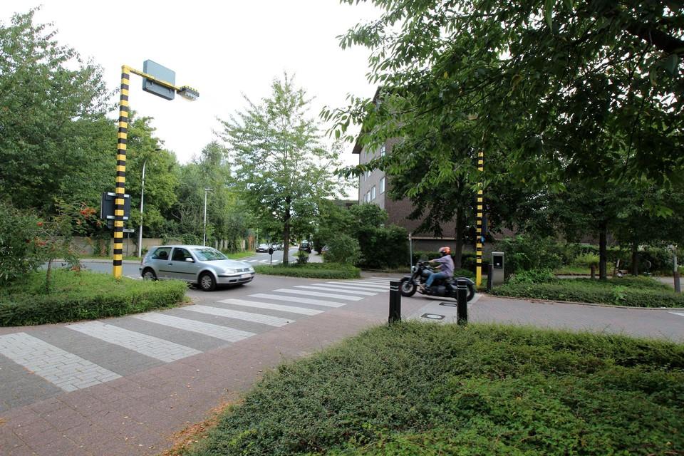 Het kruispunt Jacob de Roorestraat - Rogier van der Weydenstraat is uitgerust met ANPR-camera's.