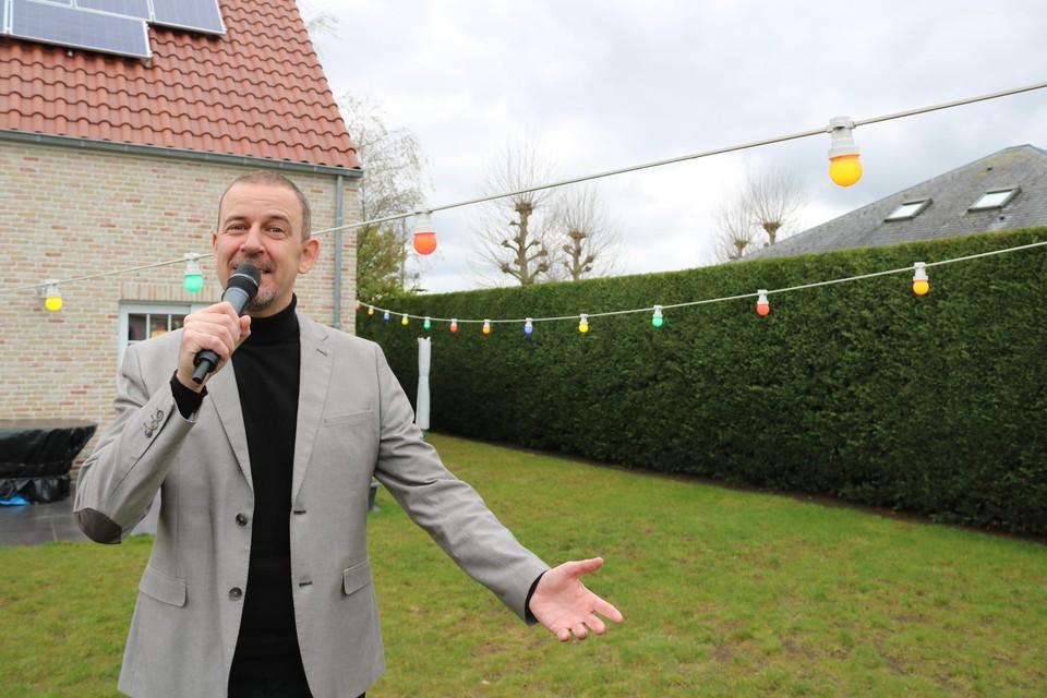 Geeno hoopt zijn vijfentwintigjarig jubileum in de Vlaamse showbizz dit jaar nog te kunnen vieren op het podium.