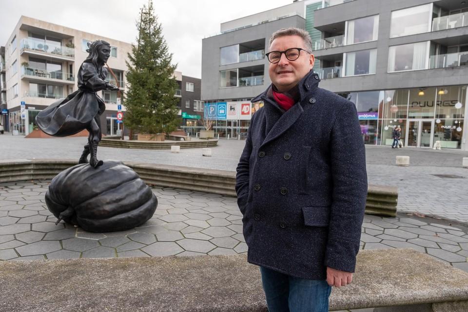 """""""Noodwoningen zijn bedoeld voor mensen die tijdelijk nergens anders terechtkunnen. Bijvoorbeeld na een woningbrand"""", zegt burgemeester Koen Van den Heuvel (CD&V)."""